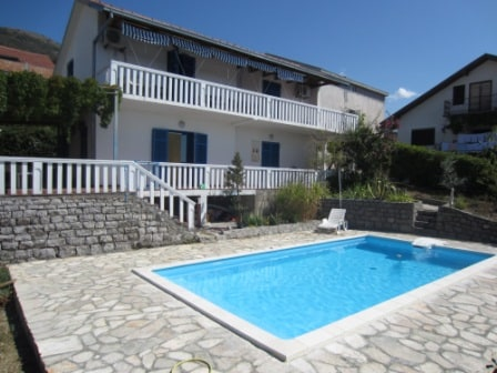 2 bd apartment with private pool