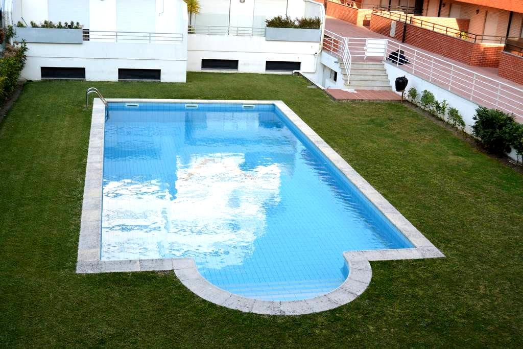 Flat with terrace and nice swim. pool - Esposende - Apartemen