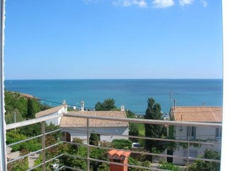 Grand appartement avec vue sur mer