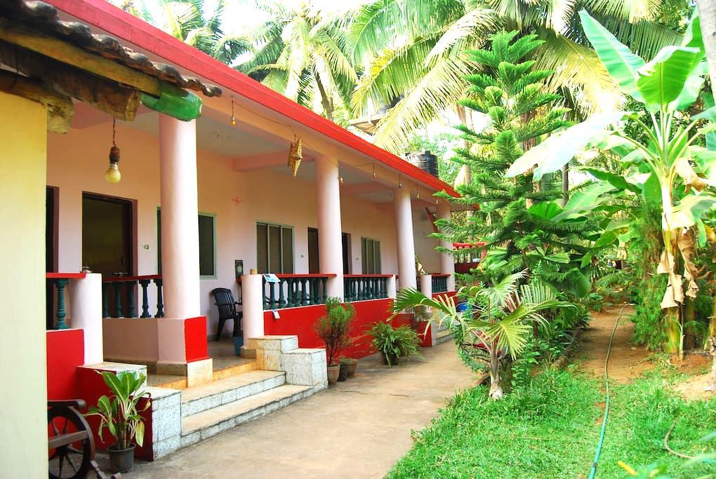 Basic Room at OMKAR Guesthouse  - Anjuna - Huis