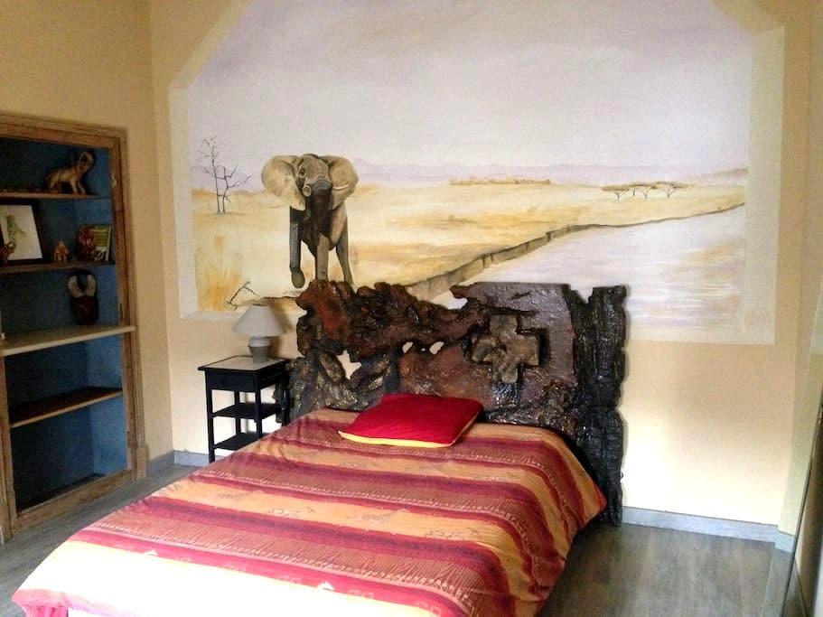 Chambre dans maison bourgeoise - Le Teil