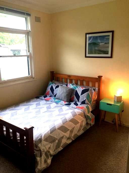 Surf cottage-Hostel price without the hostel vibe - Barrack Heights - Casa