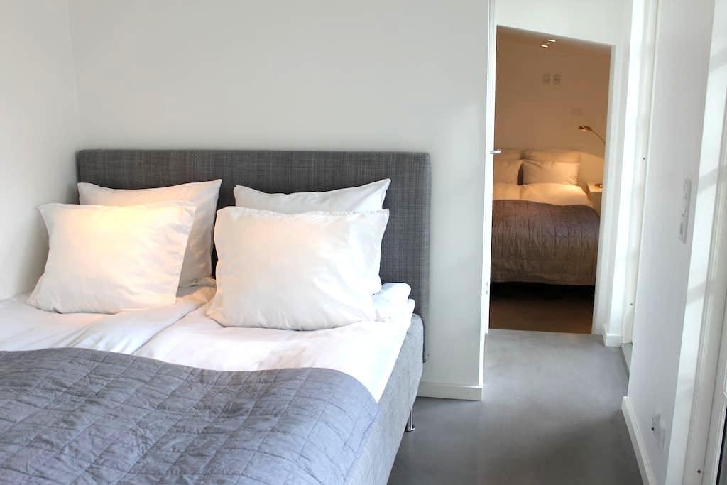 Modern guest house in Humlebæk - Humlebæk - Blockhütte