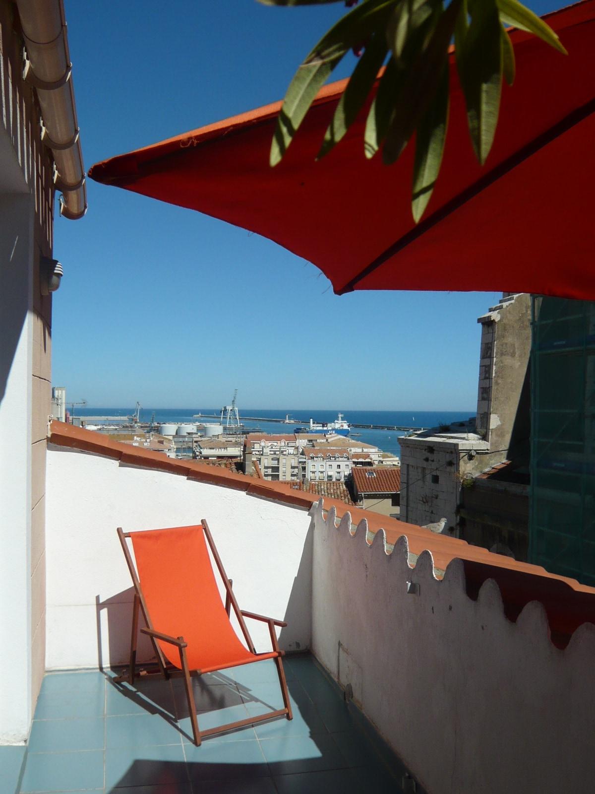 Séte  Duplex avec terrasse vue port