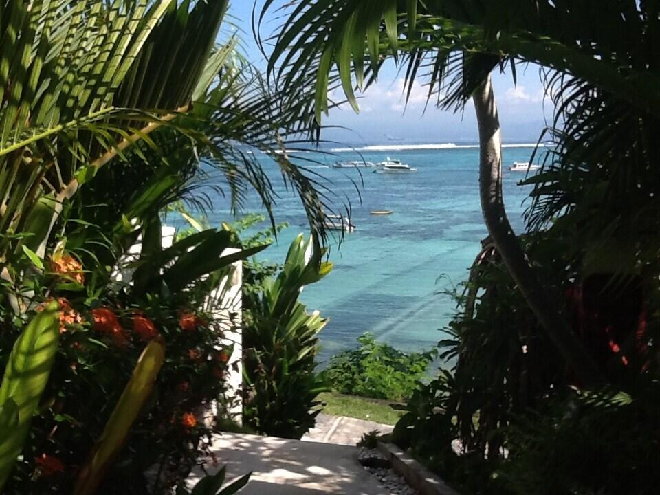 Lembongan Ocean Front Villa Room