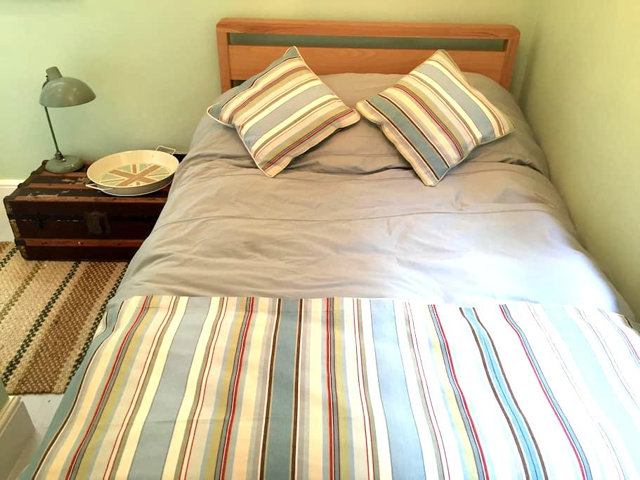 Cosy Pied à Terre 30 meters from the beach - Saint Leonards - Lejlighed