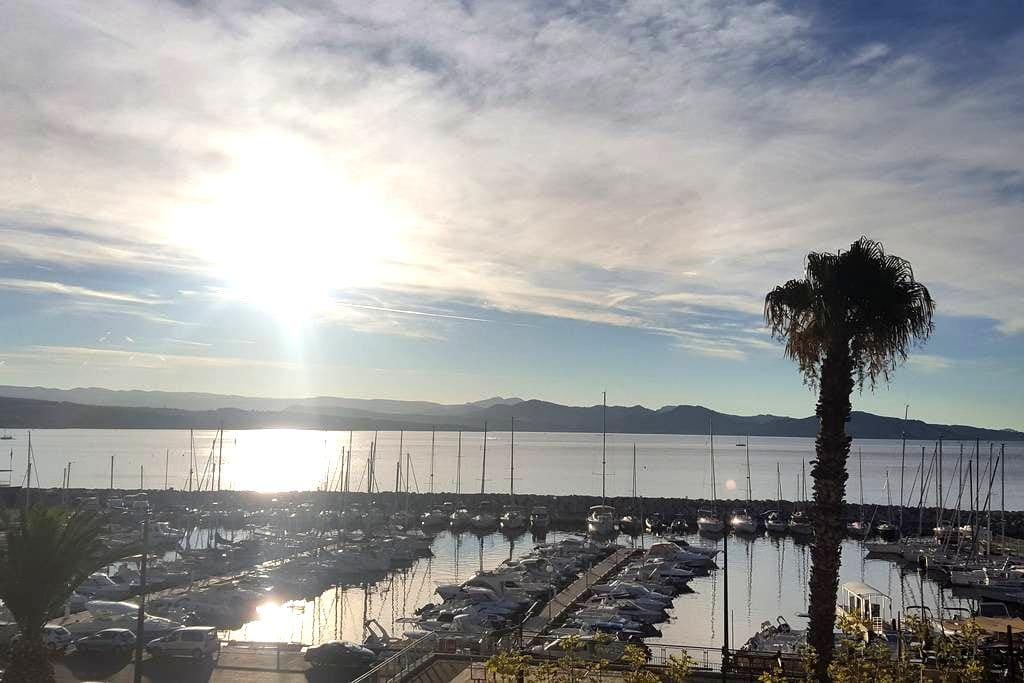 Grand T2 très lumineux vue panoramique mer - La Ciotat