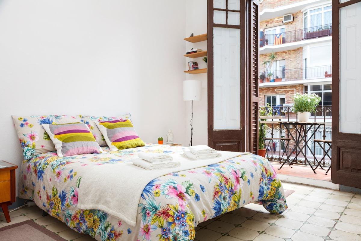 Sunny Double Room Barcelona Center
