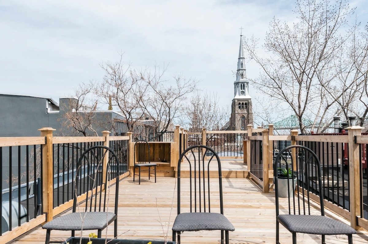 360 degrees roof top terrace.