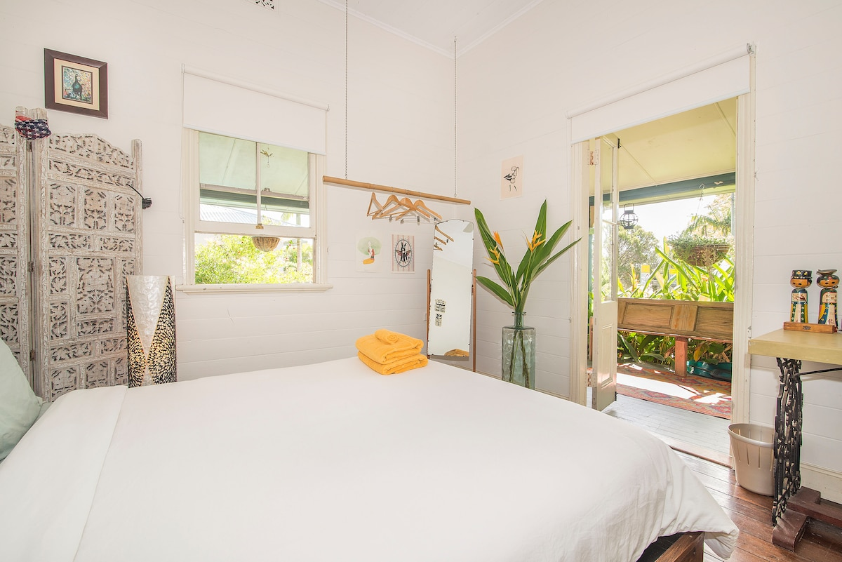 Lovely room in CENTRAL Byron Bay