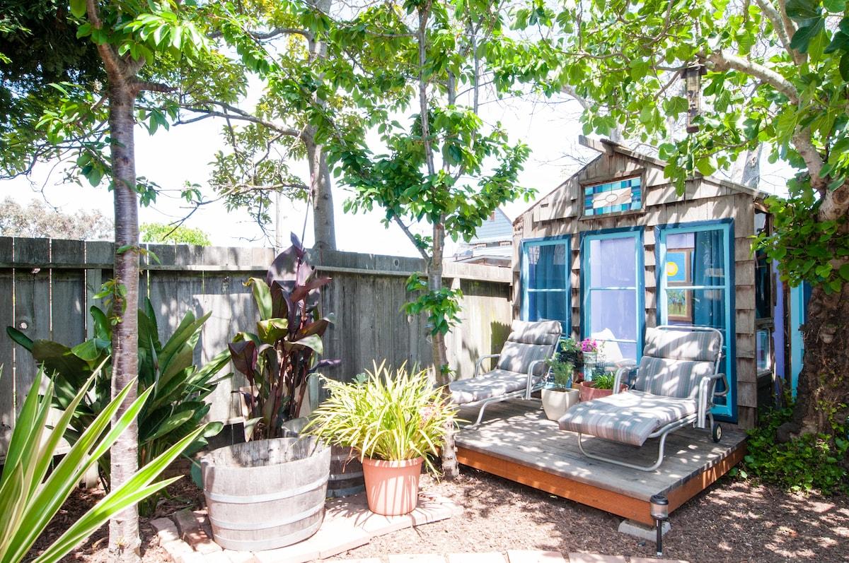 Cozy, Rustic Garden Bedsit