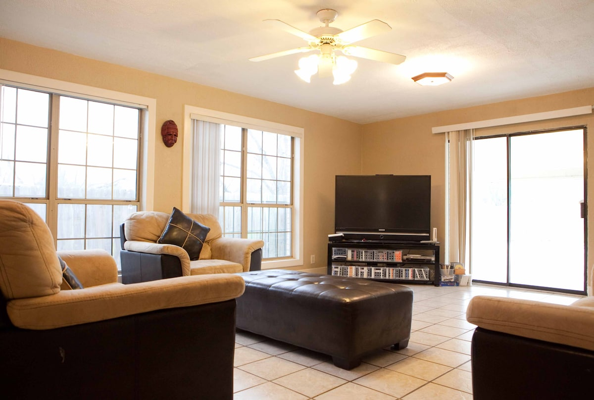 TV room with wet bar