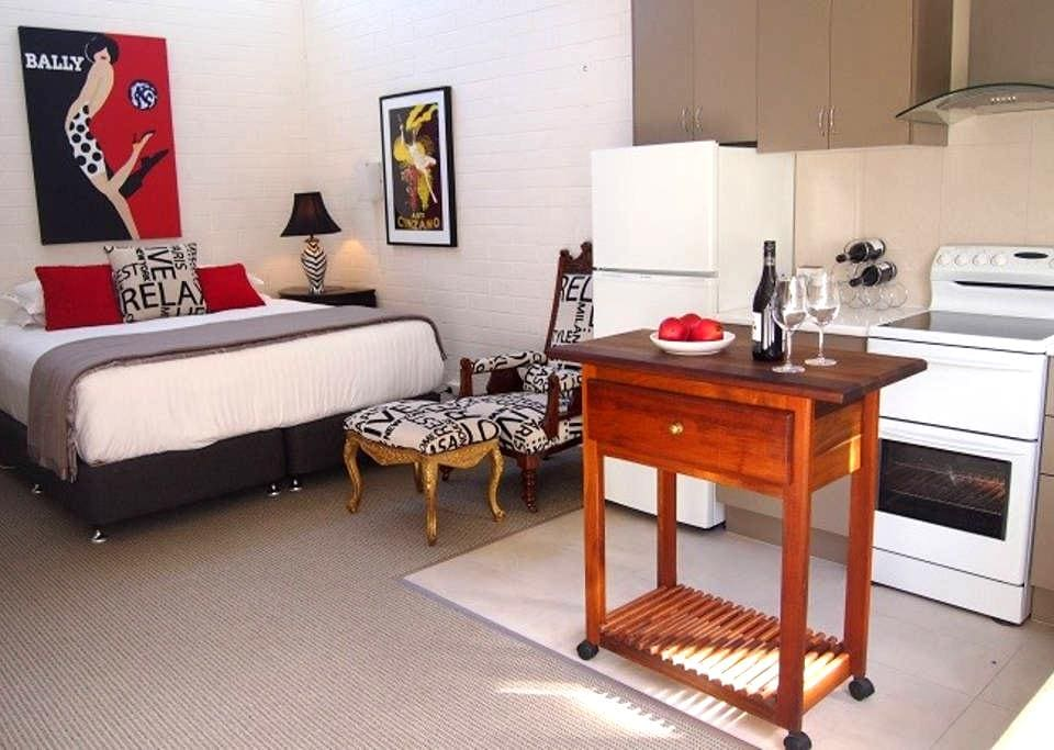 Charming Apartment Great Reviews - East Launceston
