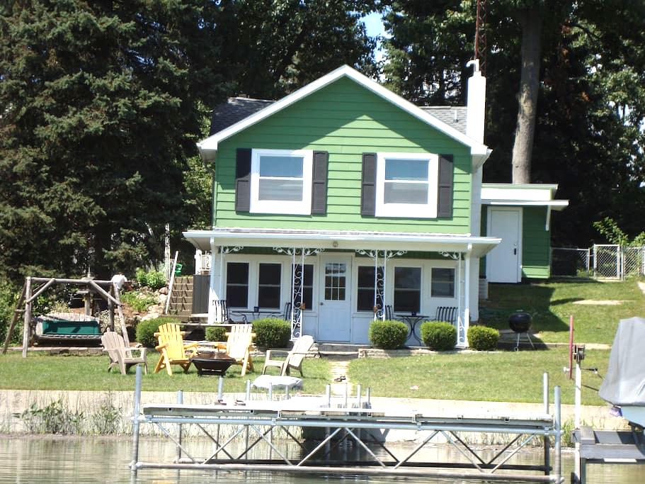 Becky's Fisher Lake Dream Cottage - Three Rivers - Huis