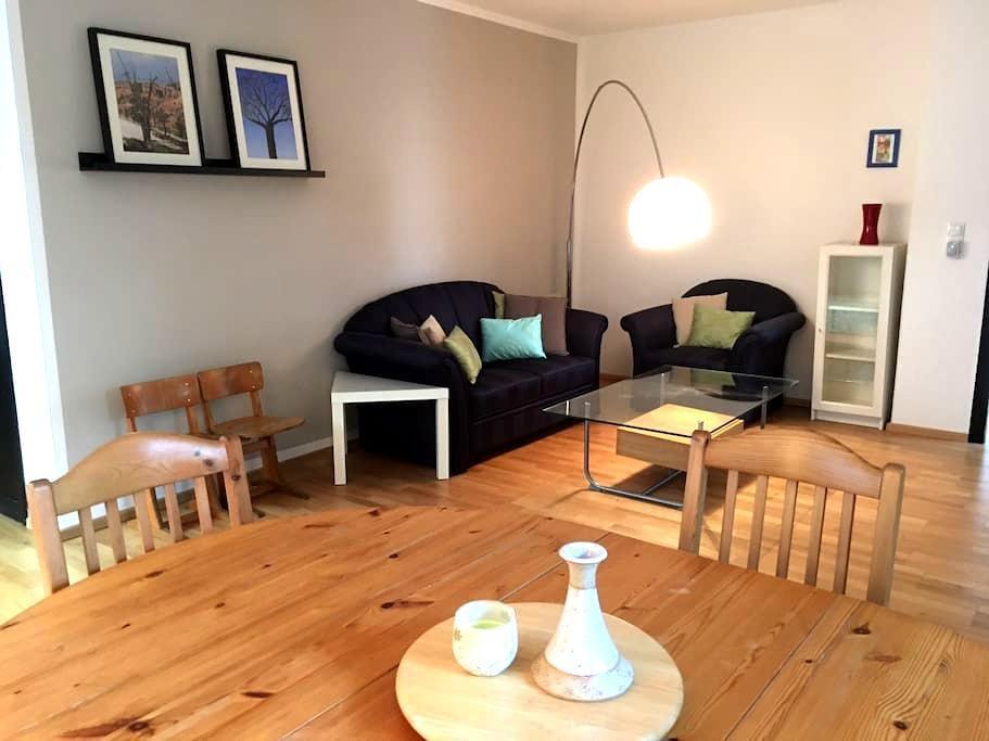 Bright, spacious apartment with garden access - Königswinter