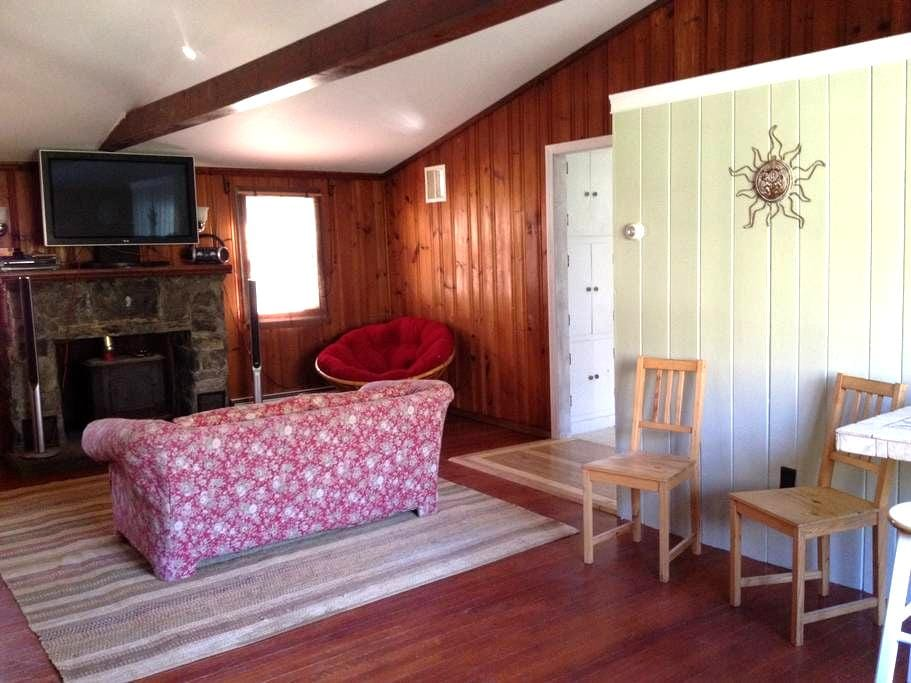 Bunkhouse with historic past - North Stonington - Σπίτι