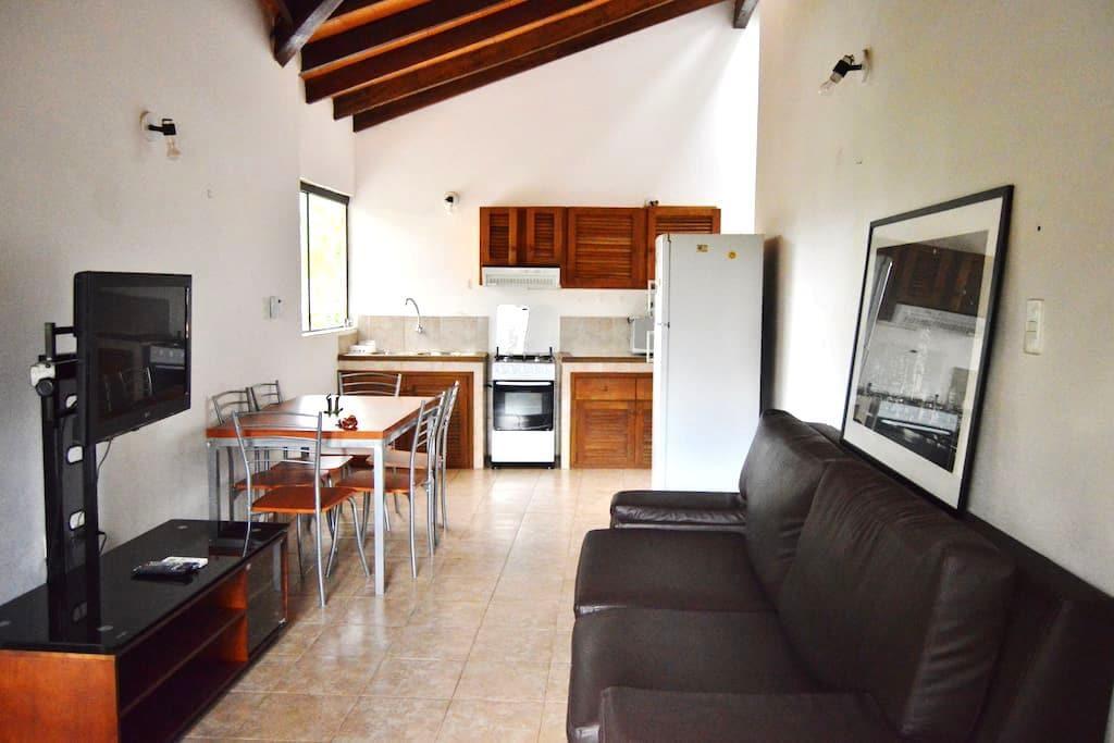 APART-HOTEL en barrio Residencial (hasta 4 pers) - Asuncion - Lakás