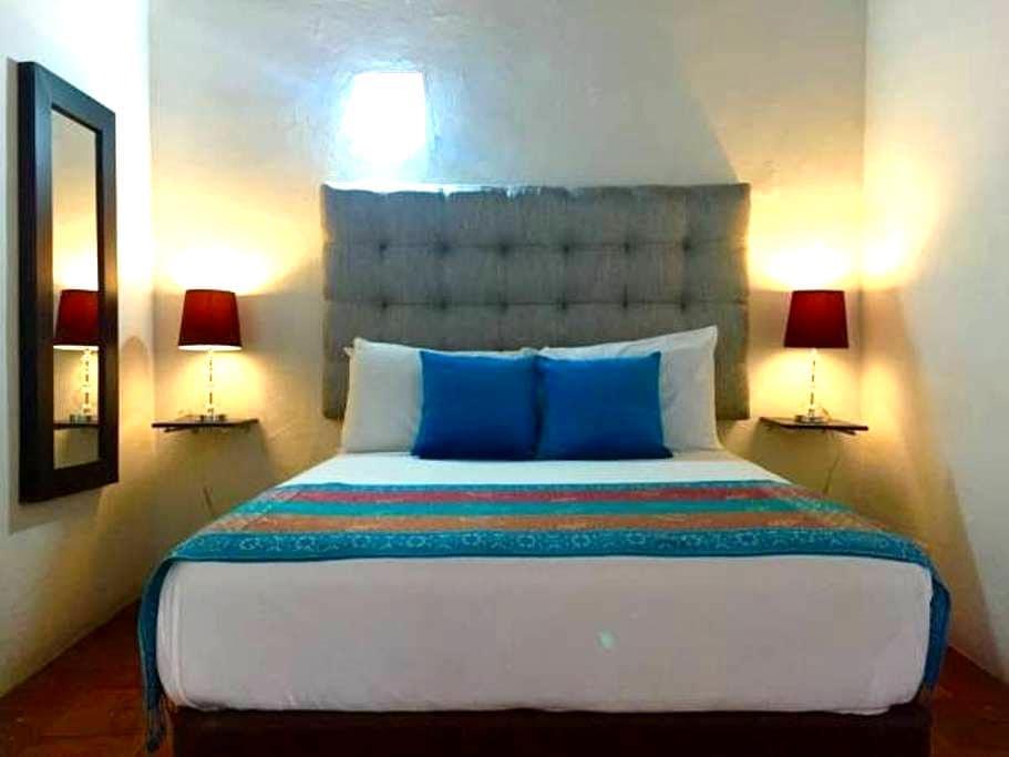 """Habitacion privada """"Montecristo"""" - Cartagena - Bed & Breakfast"""