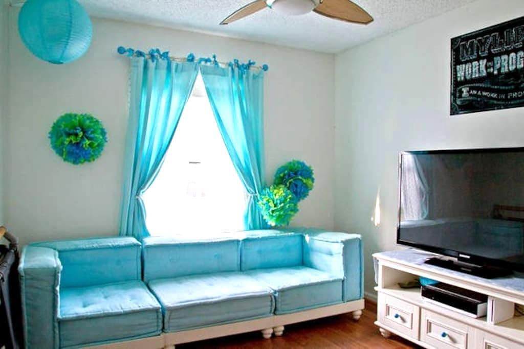 Fun Bedroom with Lots of Space! - Jacksonville - Casa