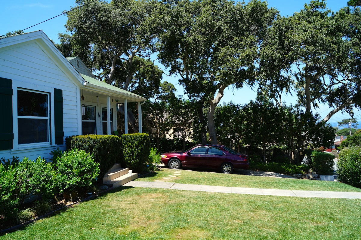 Kid-Friendly 3br. House in Monterey