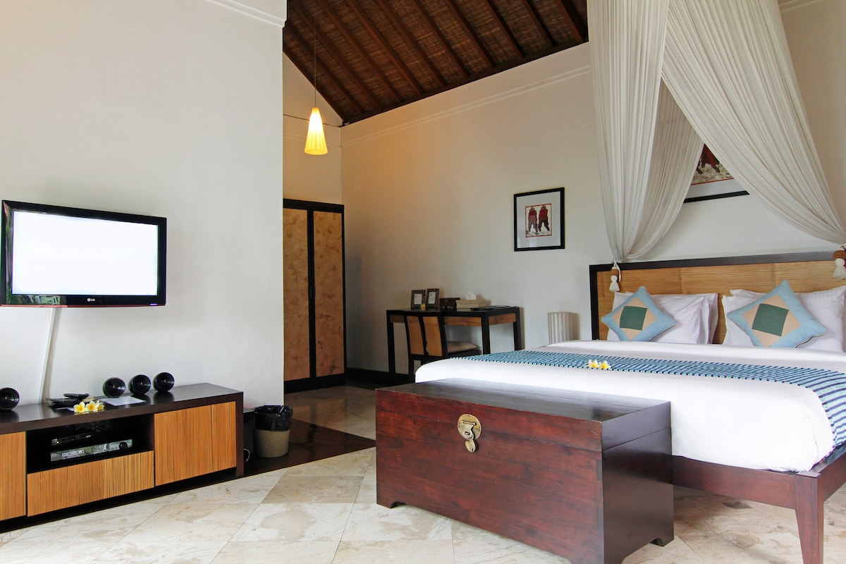 The Junno - 5 Bedroom Pool Villa