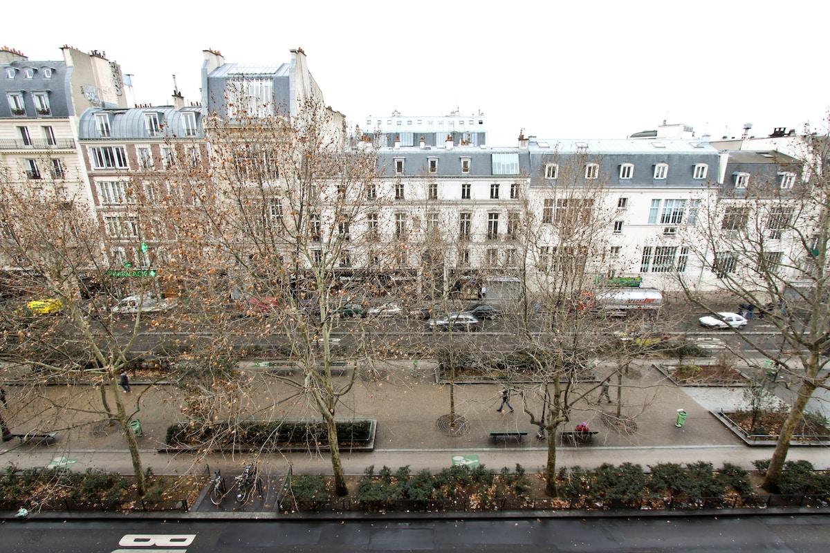 So parisian ! 4 Br appt Montmartre