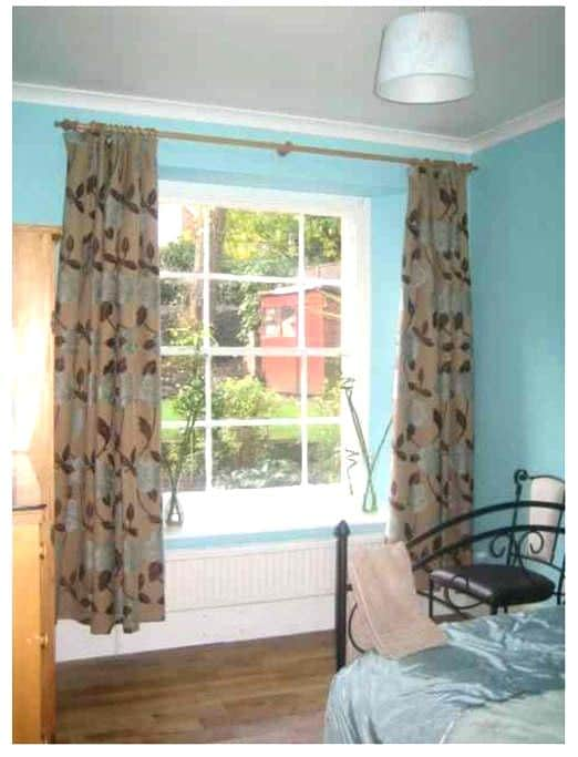 Double bedroom just off Whiteladies Road - Bristol - Apartment