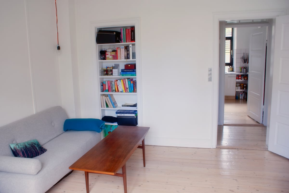 Bargain-Central 2 Bedroom Apartment