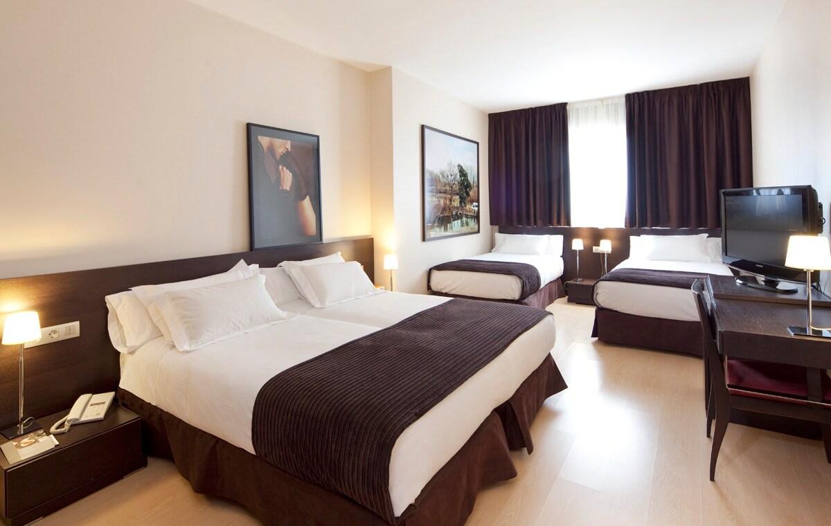 HOTEL EL JINETE HABITACION