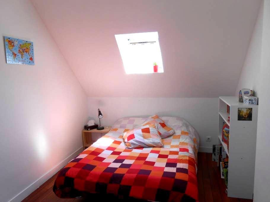 Étage d'une maison familiale - Landerneau - Casa