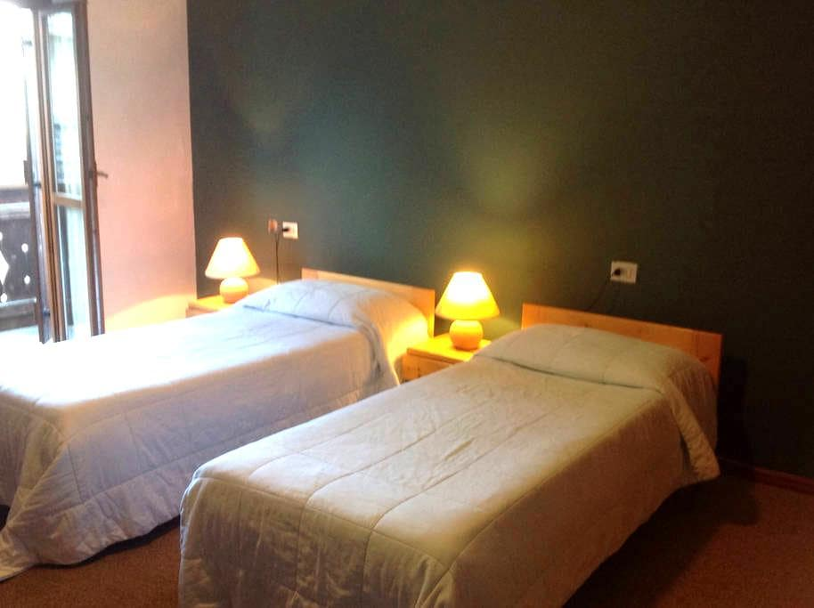 Lovely room in Marmolada - Rocca Pietore - Bed & Breakfast