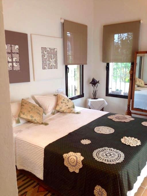 The Guest House -  Elegant B&B (1), Javea Old town - Xàbia - Bed & Breakfast