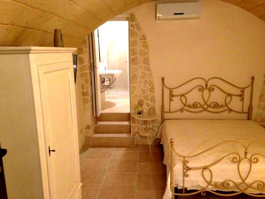 B&B La Grotta del Re, Suite Botte - Grottaglie - Bed & Breakfast
