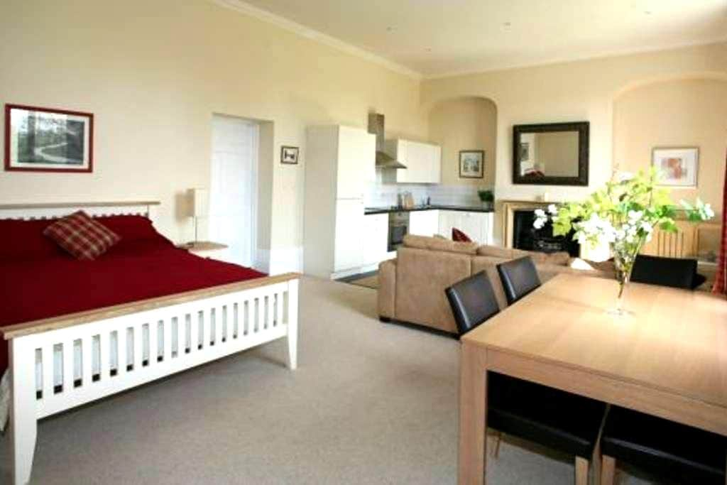 Riverside apartment - Country House - Essex
