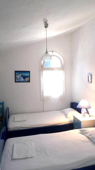 Kamara Rooms- LOFT - Tinos - Bed & Breakfast