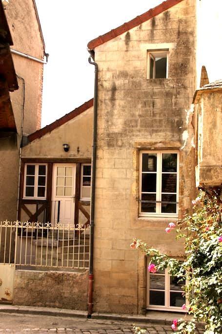 Noyers holiday home - Noyers, Yonne - Ev