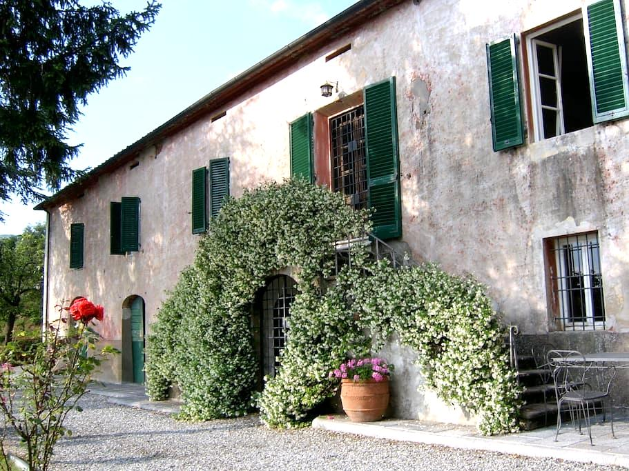 Tuscan villa with sweeping views - Capannori - Villa