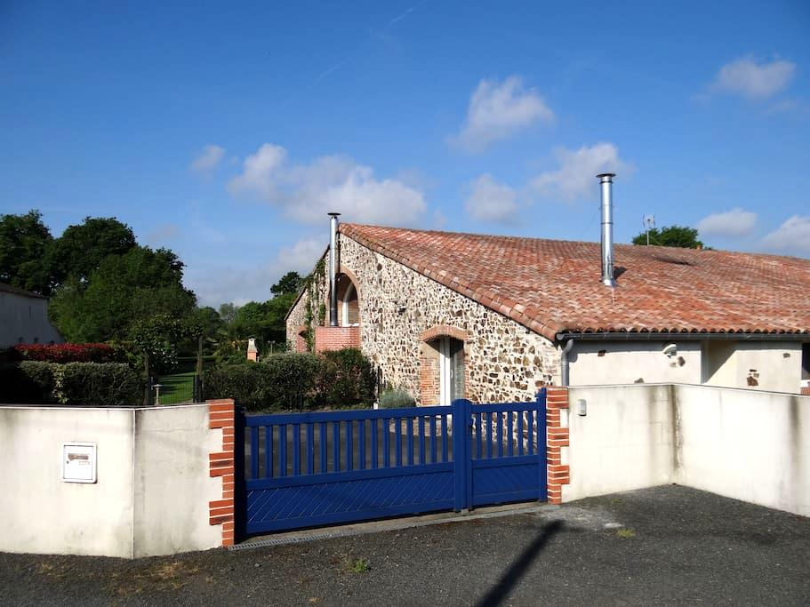 Gîte de campagne à proximité du Puy du Fou - Mazières-en-Mauges - House
