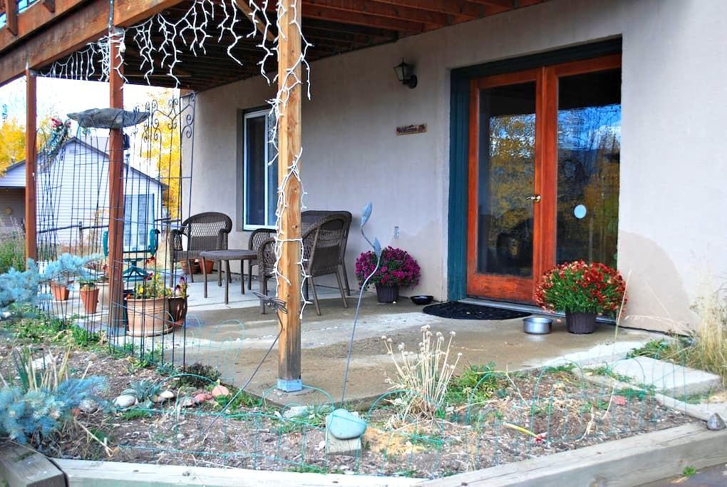 Spacious, Sunny, Quiet, Eclectic Neighborhood Home - Tabernash - Casa