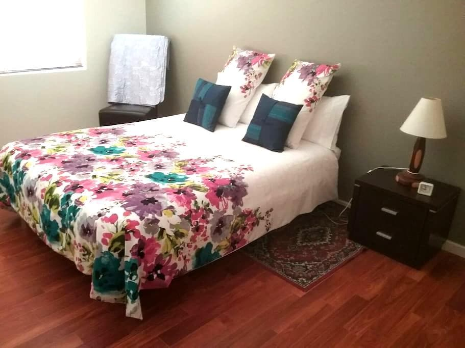 Double room 1  person or a couple - Morley - Casa
