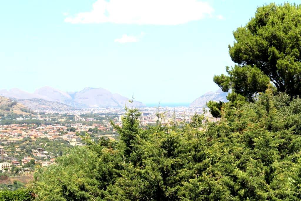 Villa Buena Vista, economica, tranquilla nel verde - Monreale - วิลล่า