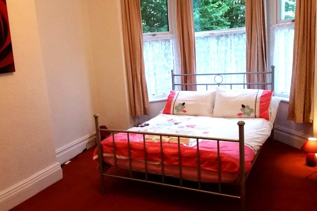 Berwyn Red - Colwyn Bay - Colwyn Bay - Haus