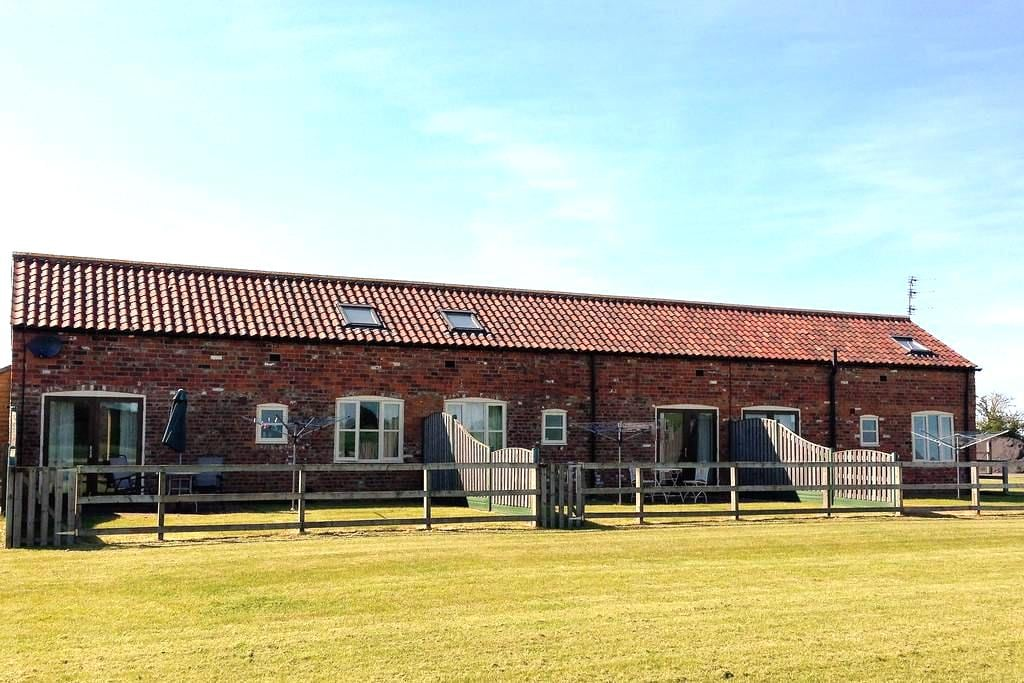 2 Bed 4* S/C Barn Conversion - East Riding of Yorkshire