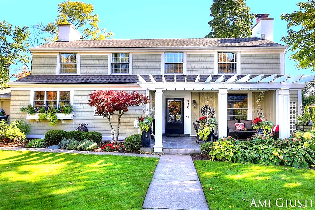 Cozy English Cottage w/ Architectural Charm - East Grand Rapids