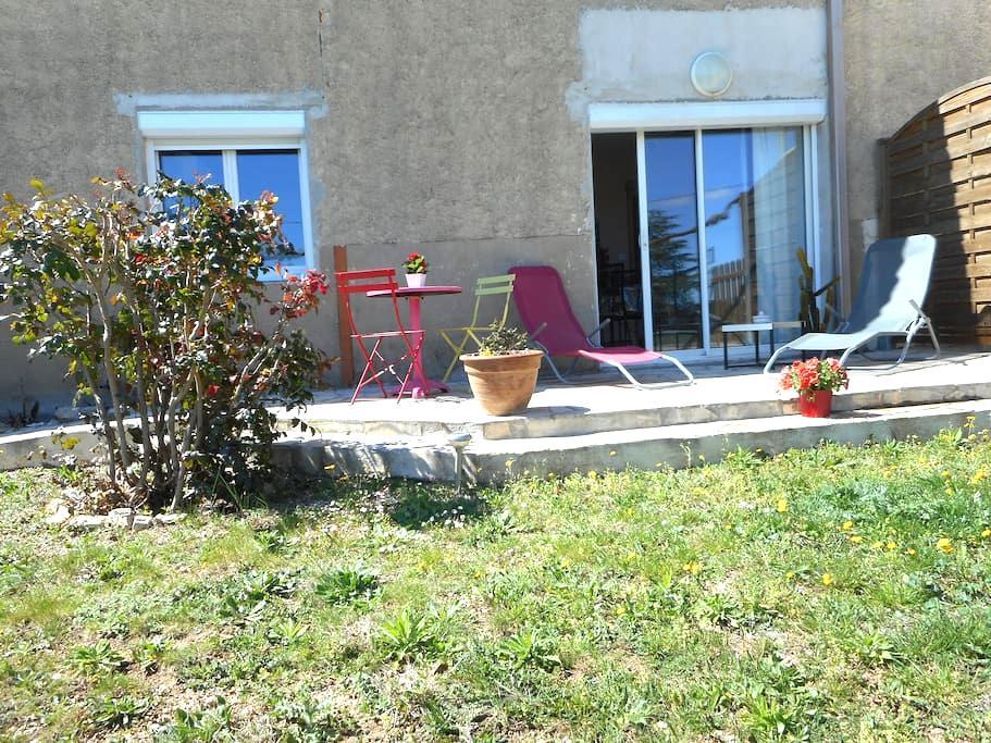 Studio 30m² meublé  jardin privatif - Lespignan