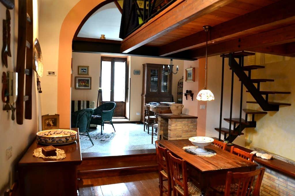 the house of Petralia's painter - Petralia Soprana