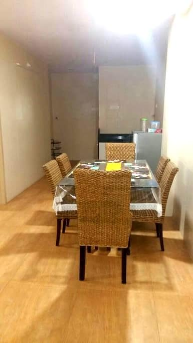 Cozy 2bhk with Parking & Breakfast - Panchgani - Apartment