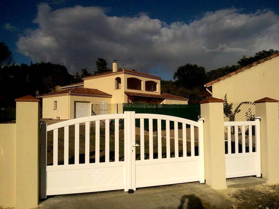 Superbe villa neuve - Auch