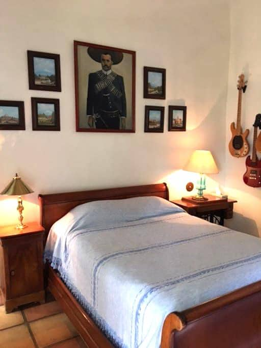 Beautiful, private ensuite bedroom - Cuernavaca - Bed & Breakfast