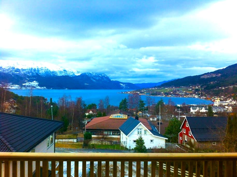New apartment with beautiful view - Gloppen - Apartment